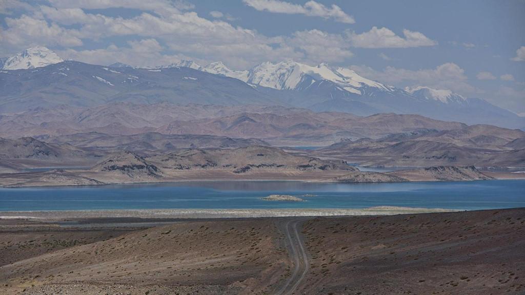 Chùm ảnh: Hồ Karakul ở Tajikistan – hồ nước mặn nhất thế giới