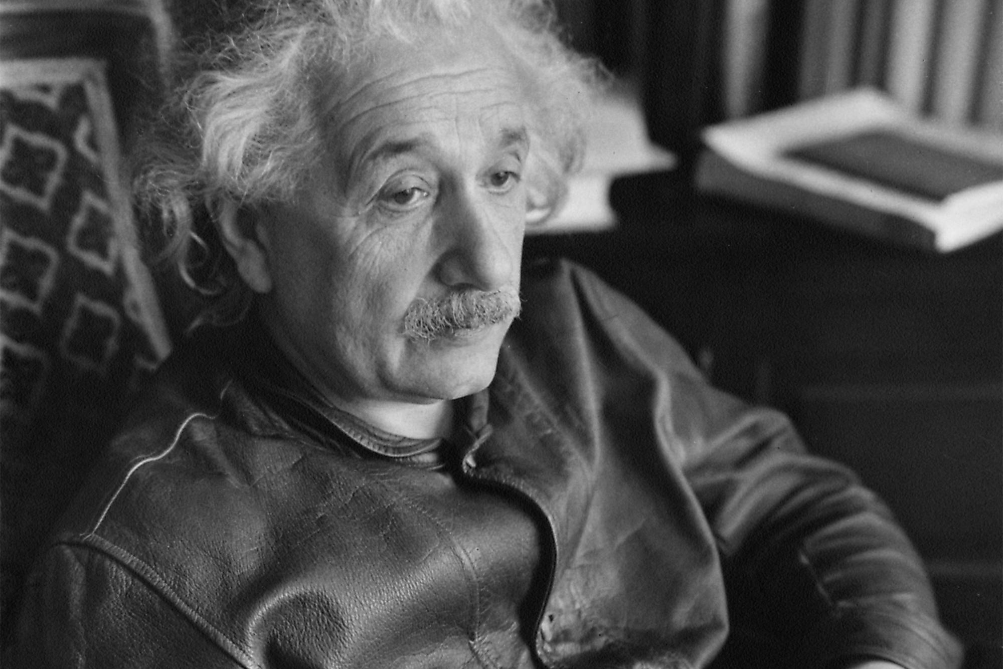 10 bài học rút ra từ cuộc đời Albert Einstein