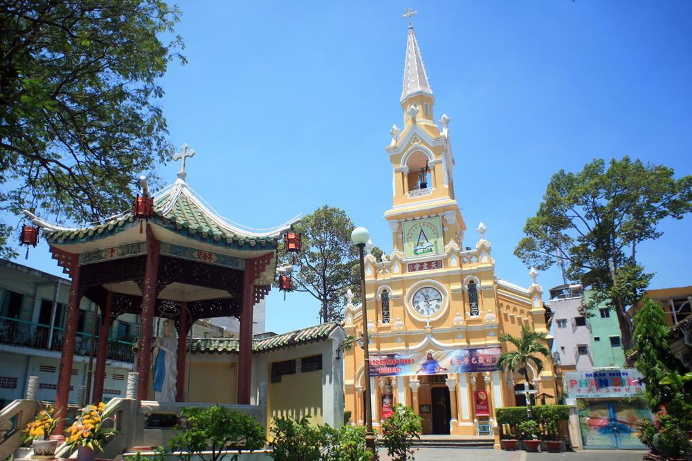 Chùm ảnh: Nhà thờ cổ 'nửa Pháp, nửa Hoa' cực lạ của Sài Gòn