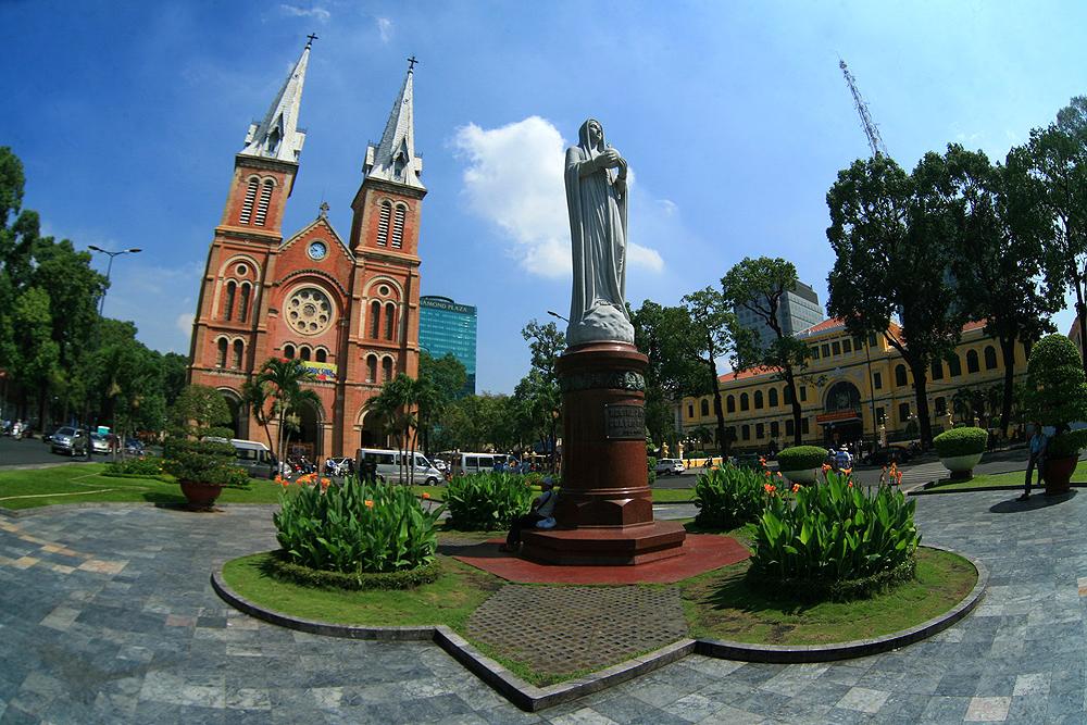 Chùm ảnh: Vẻ đẹp của nhà thờ cổ nổi tiếng nhất Sài Gòn