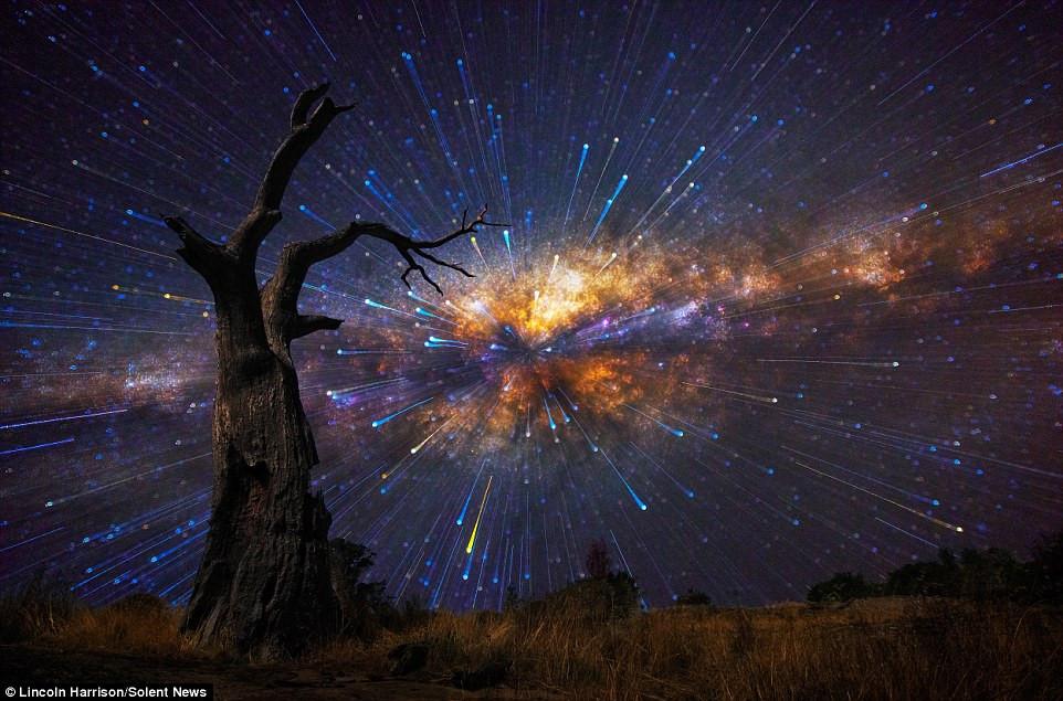 Một số bức ảnh trông giống như vụ nổ thiên thạch, còn các bức khác trông như vòng xoay đa sắc.