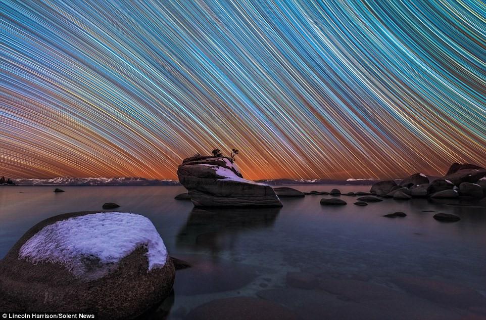 Những bức ảnh ảo diệu về sao trời