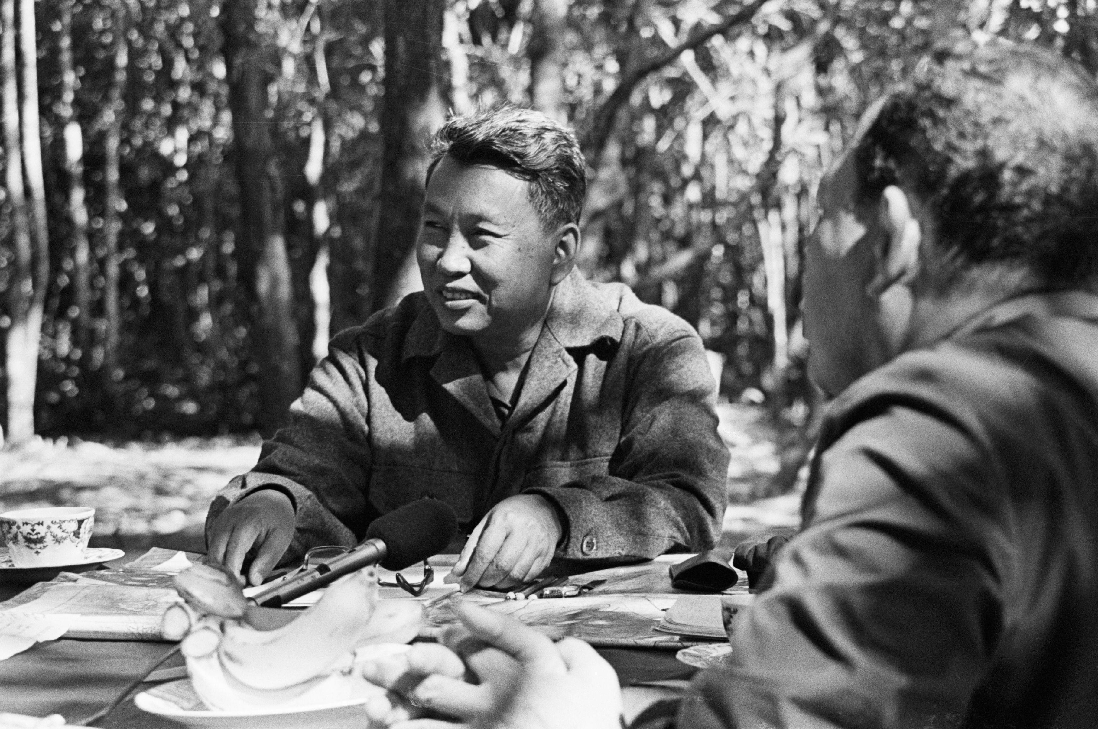 Mỹ – Anh đã giúp chế độ Khmer Đỏ chống Việt Nam như thế nào?