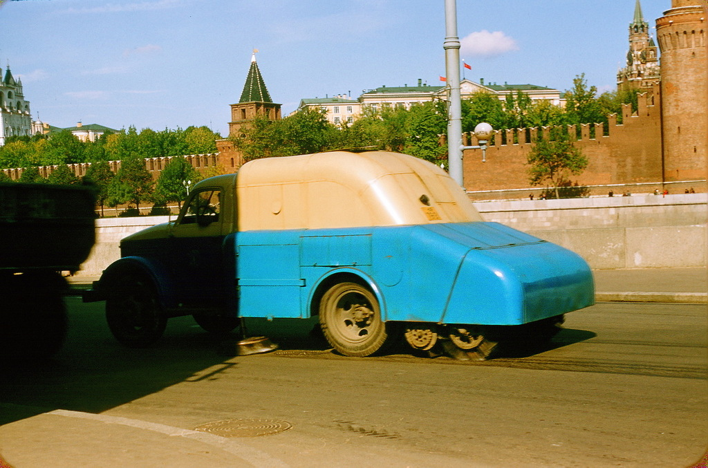 Машина для уборки улиц