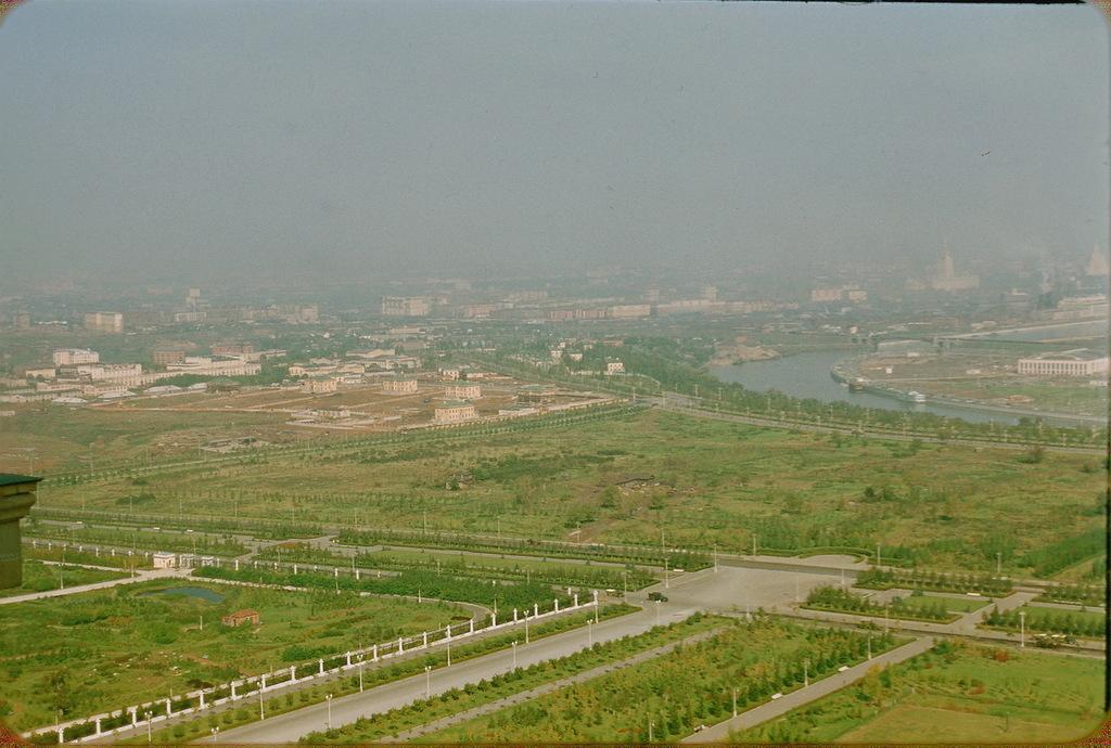 Новые кварталы - панорама с Ленинских гор