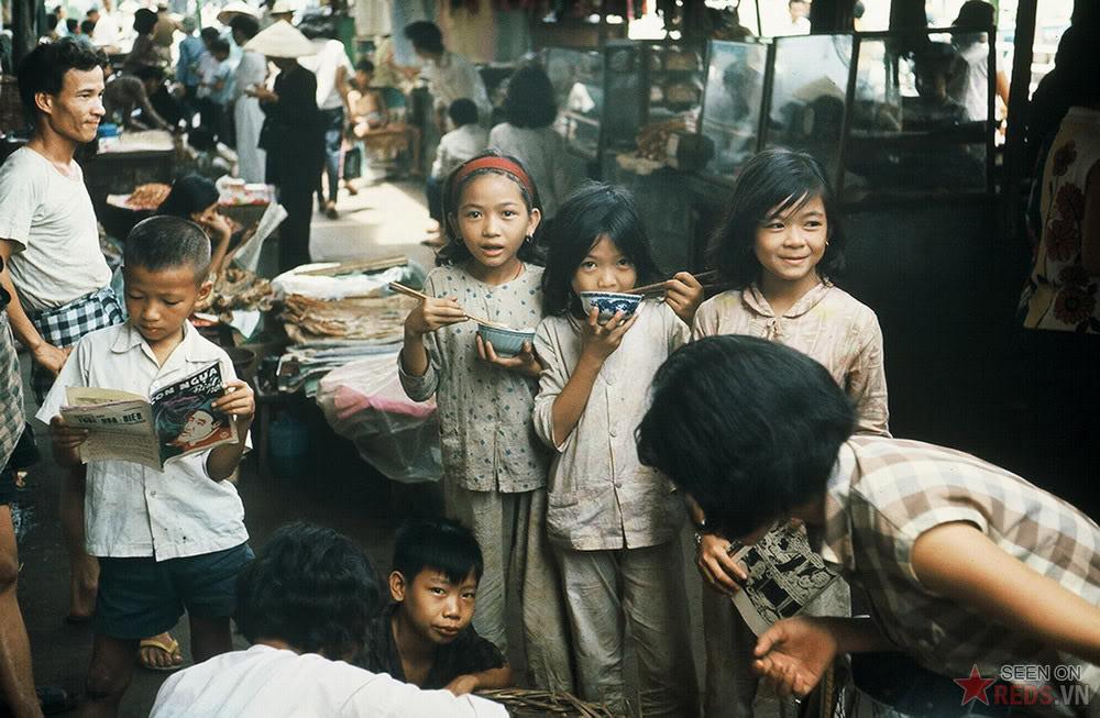 Trẻ em miền Nam 1967 qua ống kính Henk Hilterman