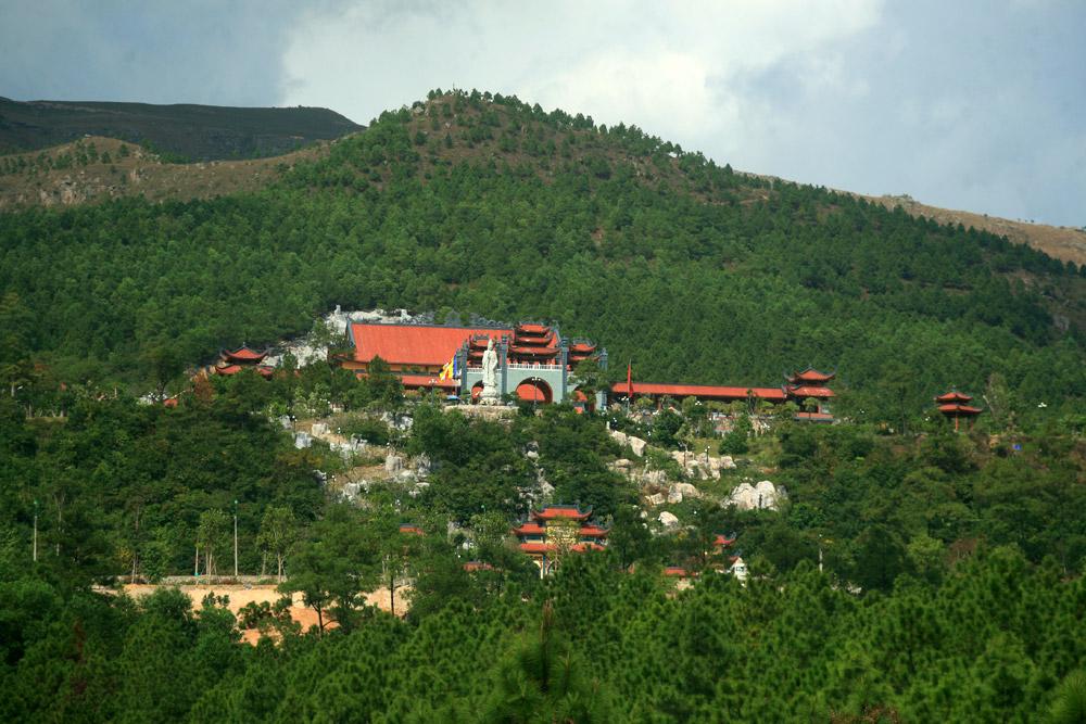 Chùm ảnh: Chùa Ba Vãng – ngôi chùa có chính điện lớn nhất Việt Nam