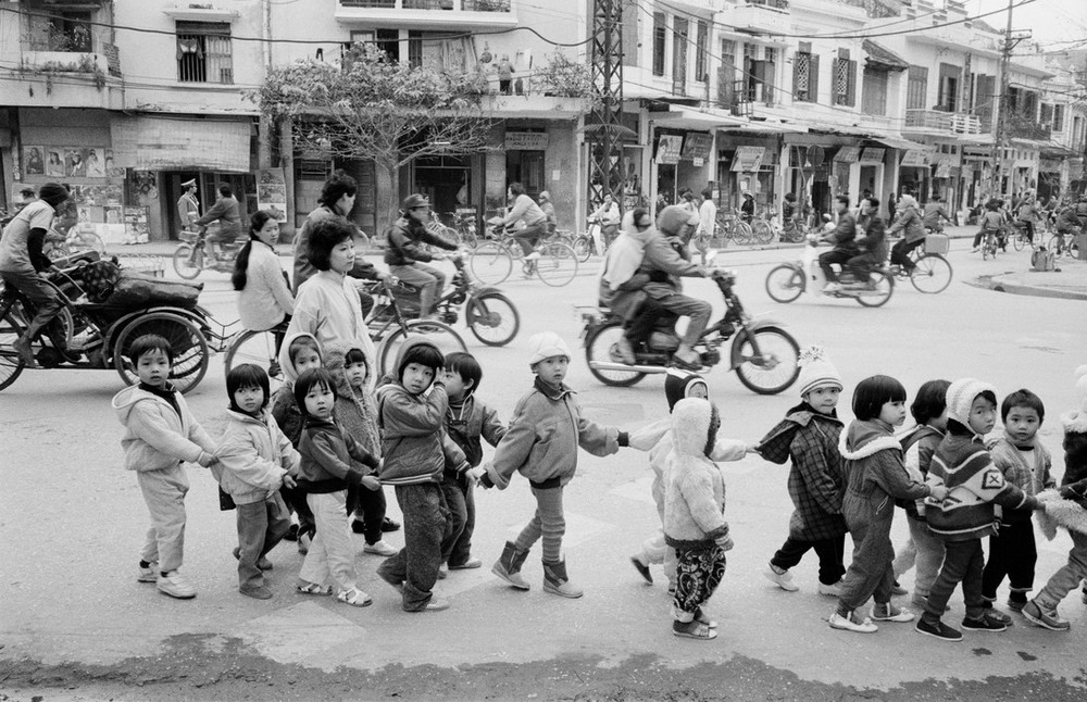 Hà Nội năm 1990 trong 50 bức ảnh của John Vink