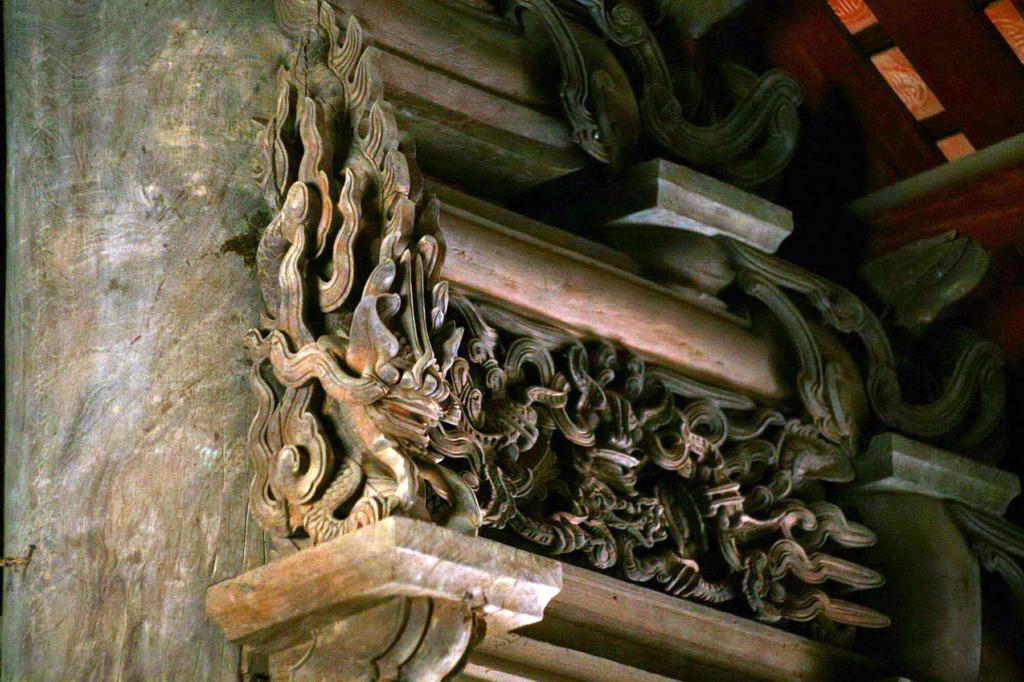 Nghệ thuật chạm khắc gỗ cổ Việt Nam: Kho tàng văn hóa vô giá