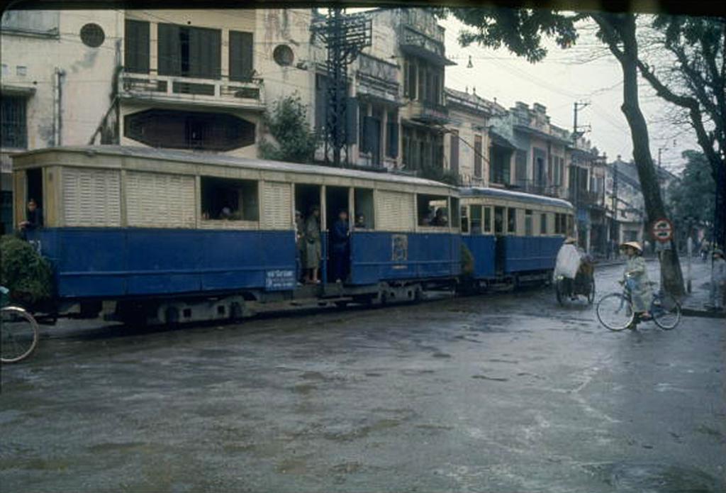 Những bức ảnh màu hiếm có về Hà Nội năm 1967
