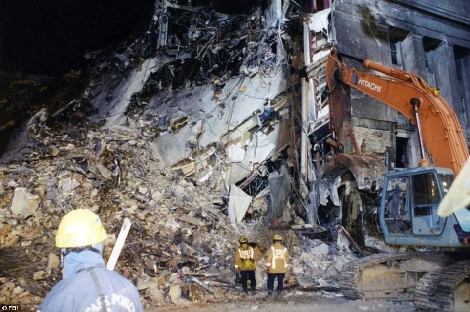 Ảnh mới công bố về Lầu Năm Góc sau vụ khủng bố 11/9