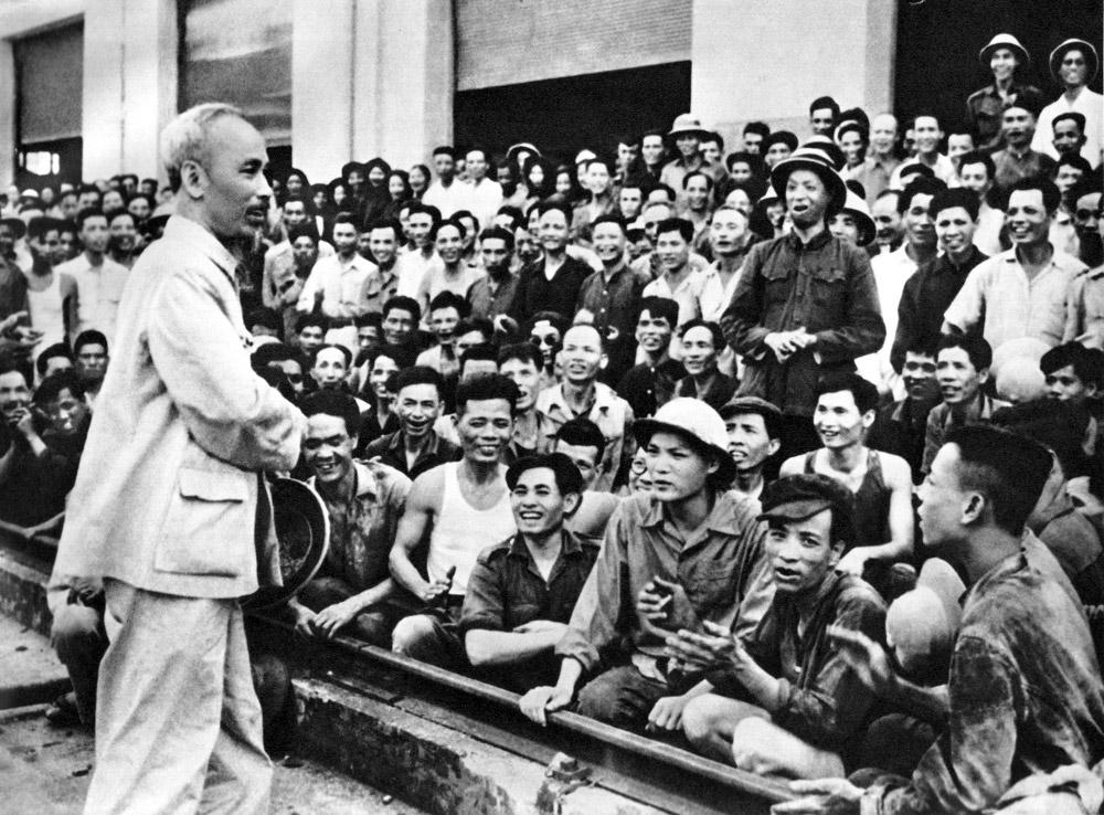 Bài học Hồ Chí Minh: Có yêu dân mới được dân yêu
