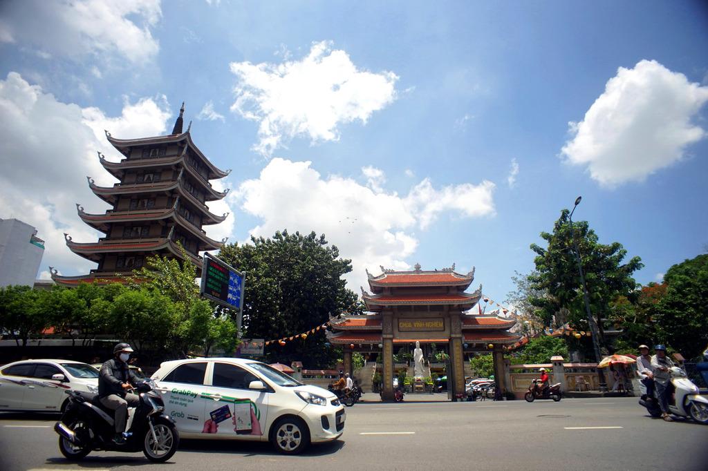 Chùm ảnh: Chùa Vĩnh Nghiêm – ngôi chùa nổi tiếng nhất Sài Gòn