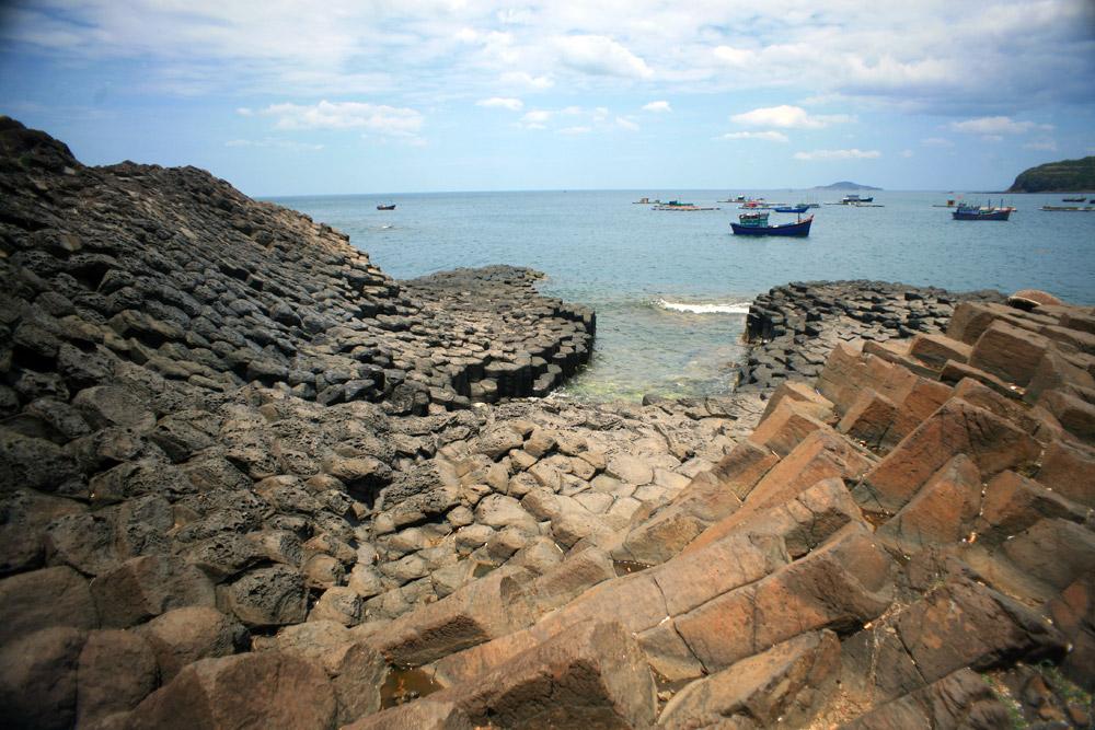 Chùm ảnh: Gành Đá Đĩa – kỳ quan địa chất kỳ ảo khó tin của Việt Nam