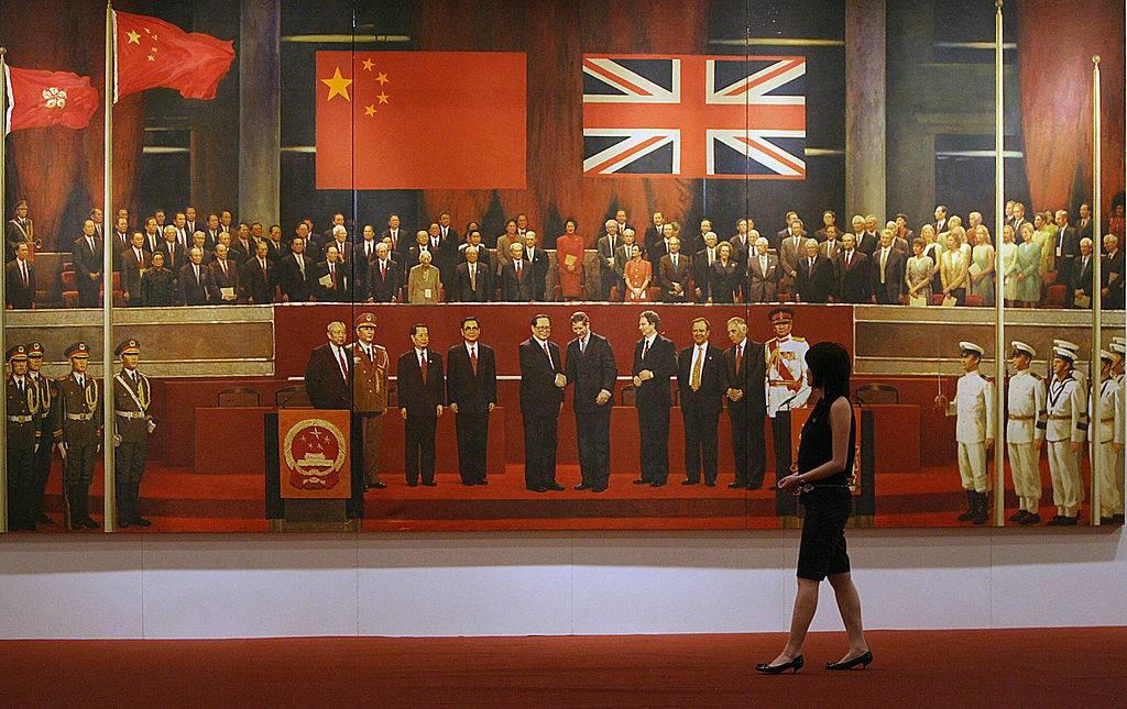 Khoanh khac Anh trao tra Hong Kong cho Trung Quoc 20 nam truoc hinh anh 4