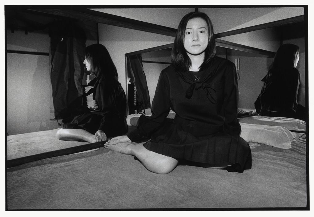 Chùm ảnh: Trào lưu 'làm thêm' bằng thân xác của phụ nữ Nhật Bản thập niên 1990