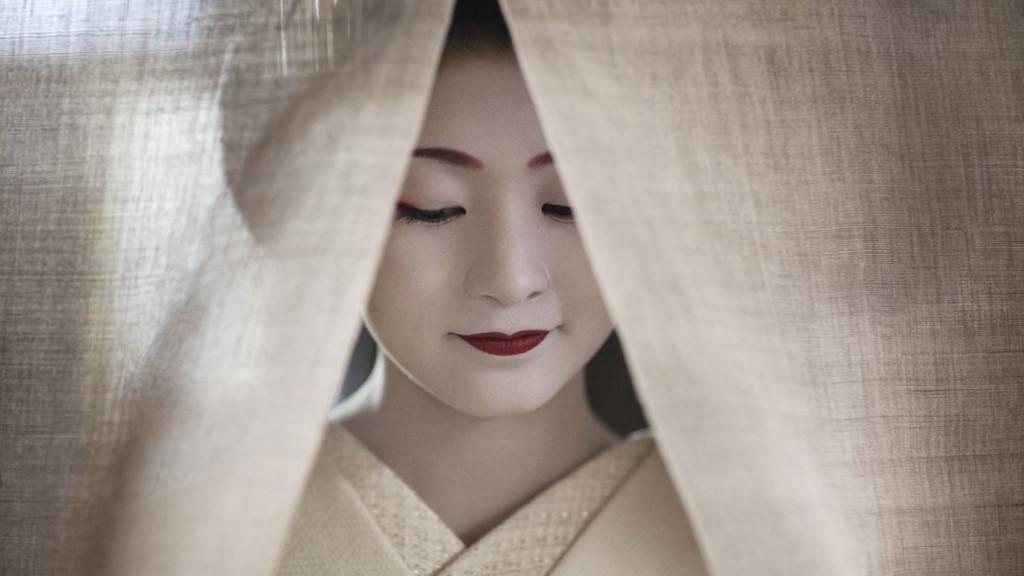 Chùm ảnh: Cuộc sống bí ẩn của các thiếu nữ khổ luyện thành geisha