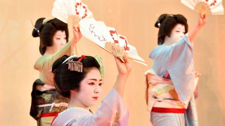 Cuoc song bi an cua cac thieu nu kho luyen thanh geisha hinh anh 11
