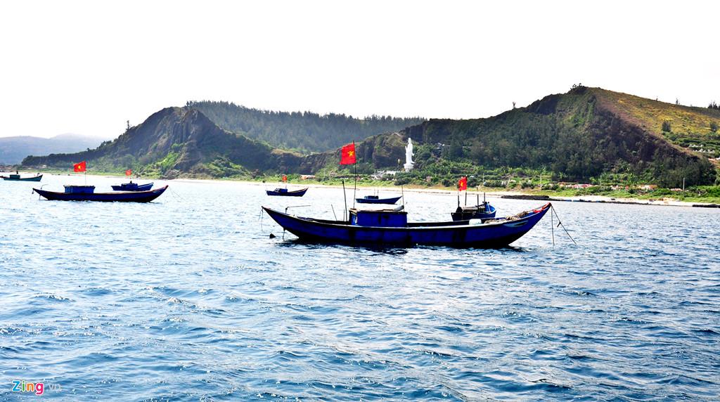 Can canh hang loat mieng nui lua co o vung bien Quang Ngai hinh anh 7