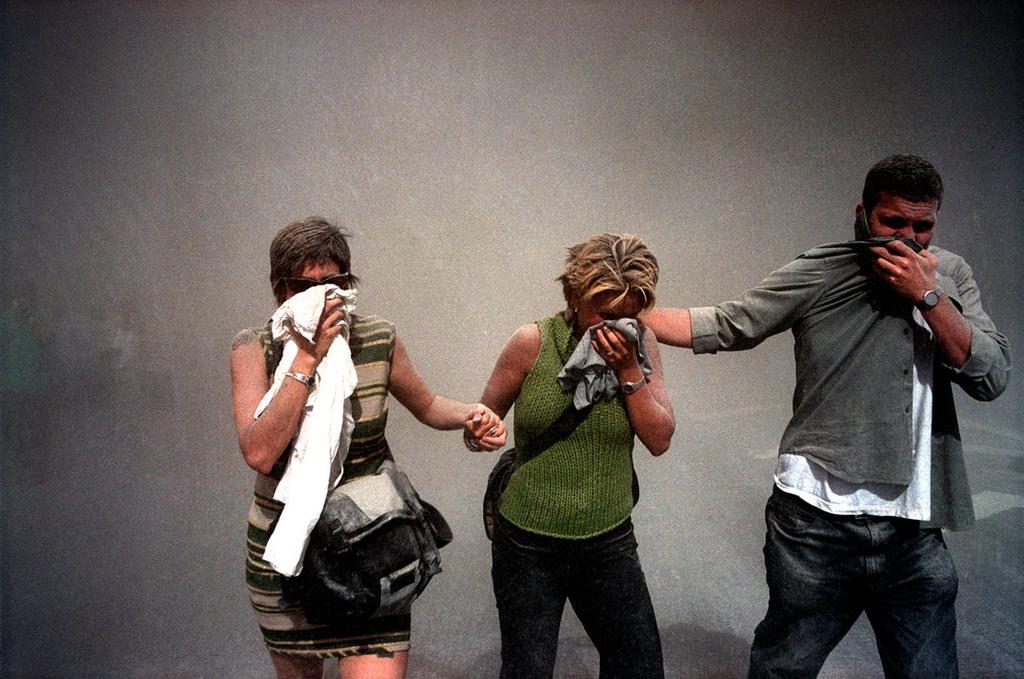 Redsvn September 11 attack Magnum 04 - Chùm ảnh: Vụ khủng bố 11/9 ở New York qua ống kính Magnum
