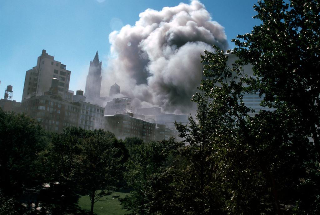 Redsvn September 11 attack Magnum 06 - Chùm ảnh: Vụ khủng bố 11/9 ở New York qua ống kính Magnum