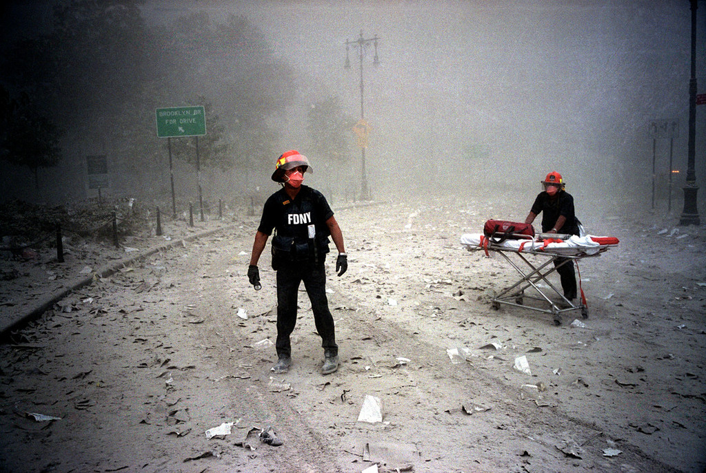 Redsvn September 11 attack Magnum 07 - Chùm ảnh: Vụ khủng bố 11/9 ở New York qua ống kính Magnum