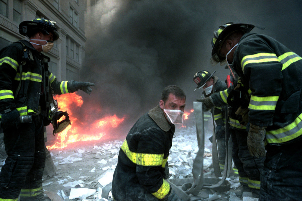 Redsvn September 11 attack Magnum 09 - Chùm ảnh: Vụ khủng bố 11/9 ở New York qua ống kính Magnum