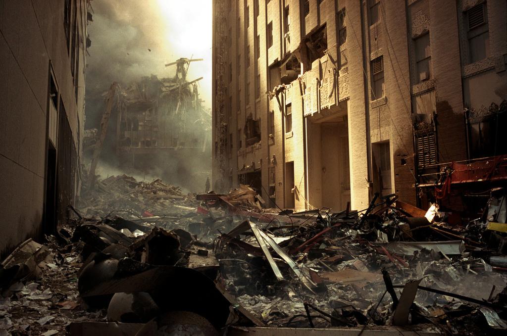 Redsvn September 11 attack Magnum 13 - Chùm ảnh: Vụ khủng bố 11/9 ở New York qua ống kính Magnum