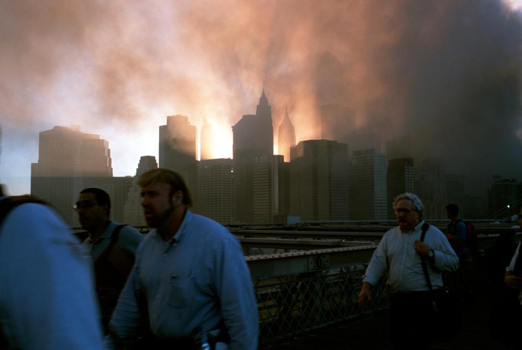 Redsvn September 11 attack Magnum 15 - Chùm ảnh: Vụ khủng bố 11/9 ở New York qua ống kính Magnum