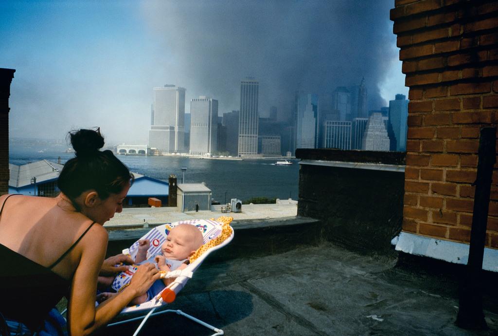 Redsvn September 11 attack Magnum 17 - Chùm ảnh: Vụ khủng bố 11/9 ở New York qua ống kính Magnum