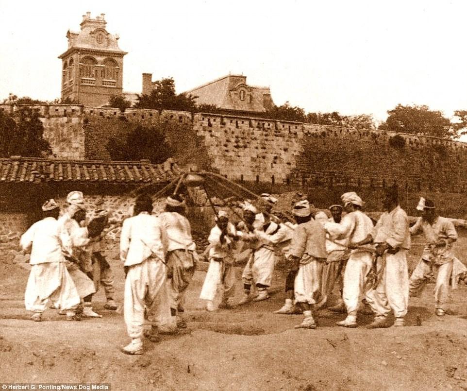 Ảnh hiếm về thời bình cách đây 100 năm trên bán đảo Triều Tiên - ảnh 12