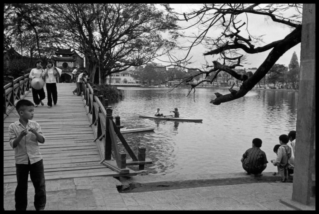 Việt Nam năm 1975 trong ảnh của A. Abbas