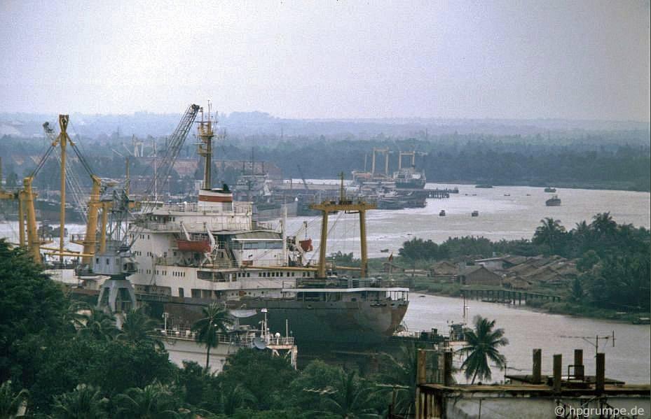 Saigon: Quang cảnh sông Sài Gòn