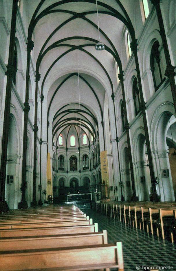 Saigon: Nhà thờ Đức Bà bên trong