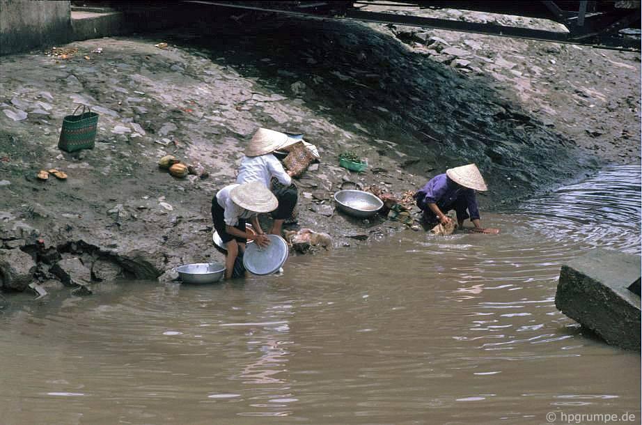 Sài Gòn: Xả nước sông