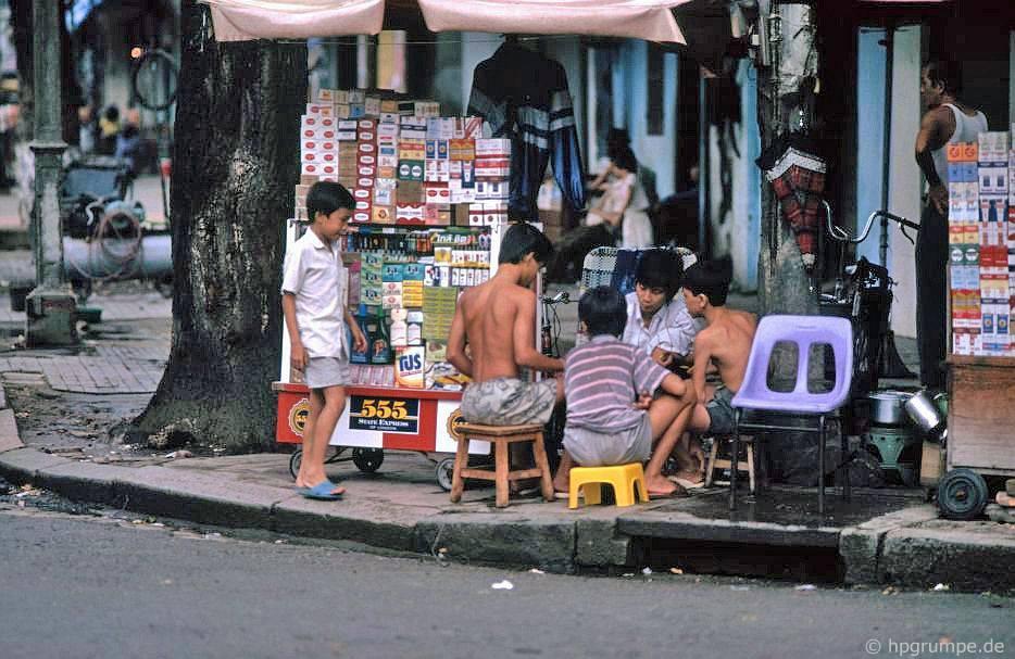 Sài Gòn: Thương nhân về bột công dân