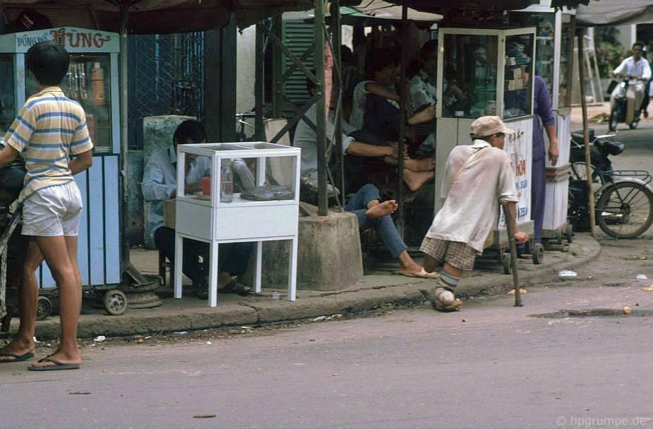 Sài Gòn: Đại sứ về công dân, cựu chiến binh