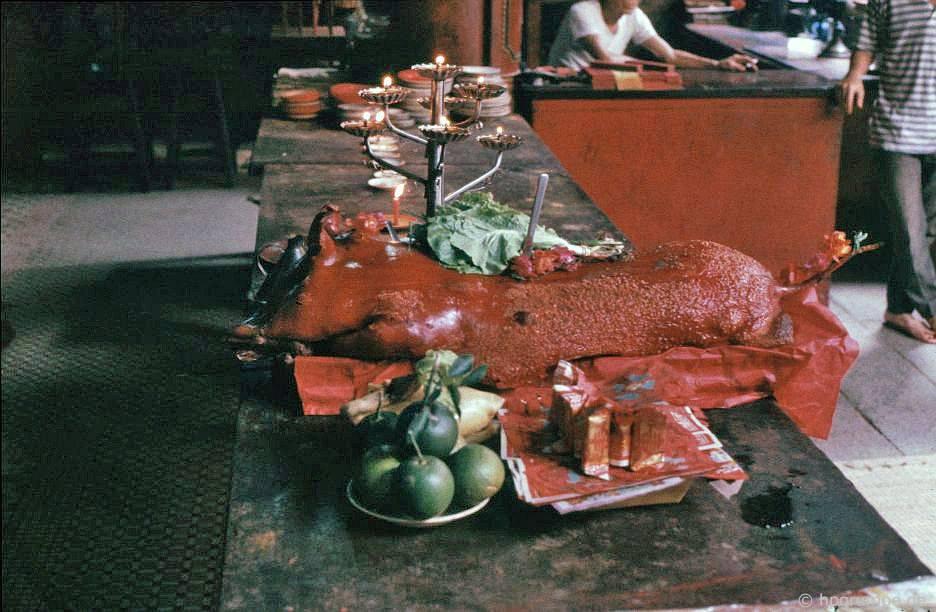 Saigon: Cholon - Chùa Thiên Hậu, hy sinh