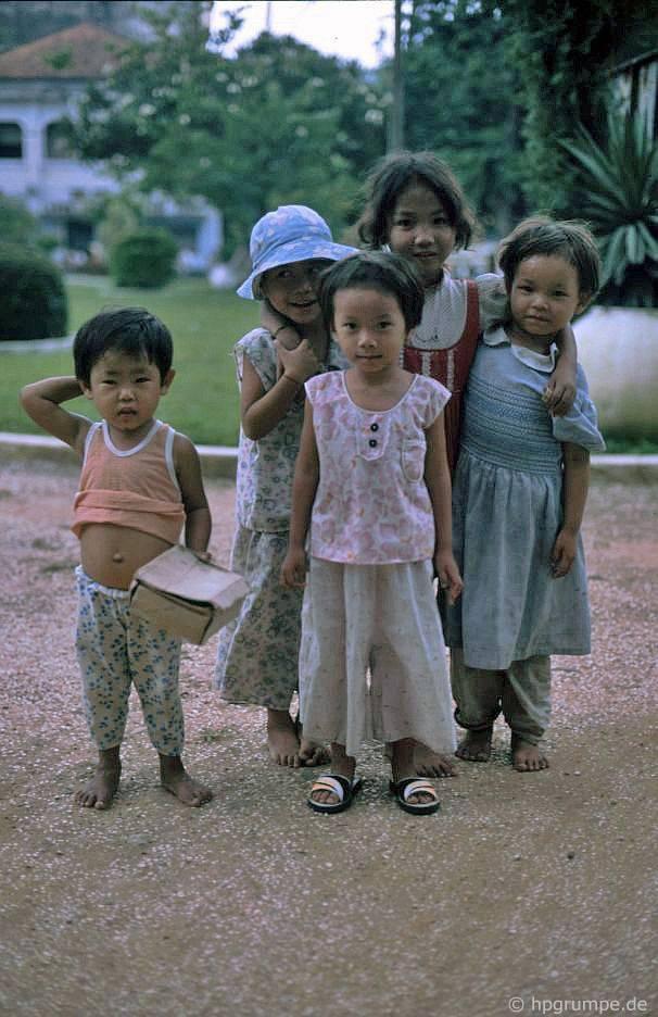 Sài Gòn: cầu xin trẻ em