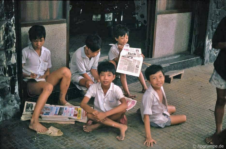 Sài Gòn: Trẻ em báo chí