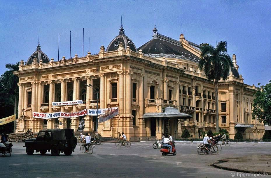 Nhà hát Lớn Hà Nội và Nhà hát Thành phố