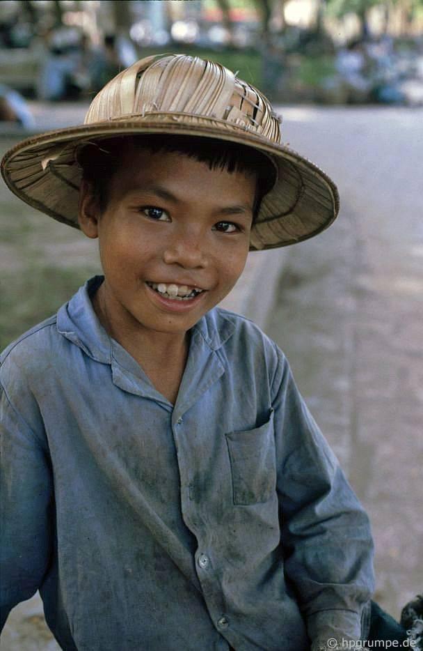 Hồ Hoàn Kiếm - Hà Nội: nhà phân phối nhỏ