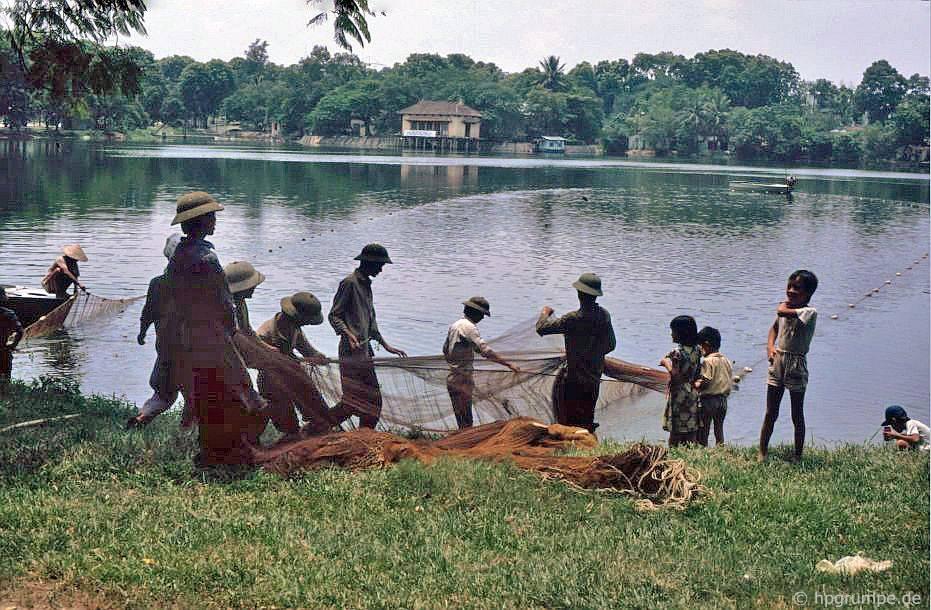 Hà Nội: Fisherman tại Hồ Tiến Quang