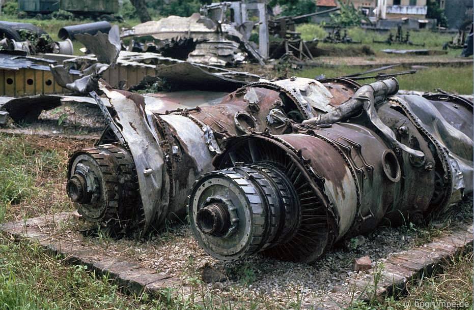 Hà Nội: bắn rơi máy bay ném bom của Mỹ ở công viên Lê Nin