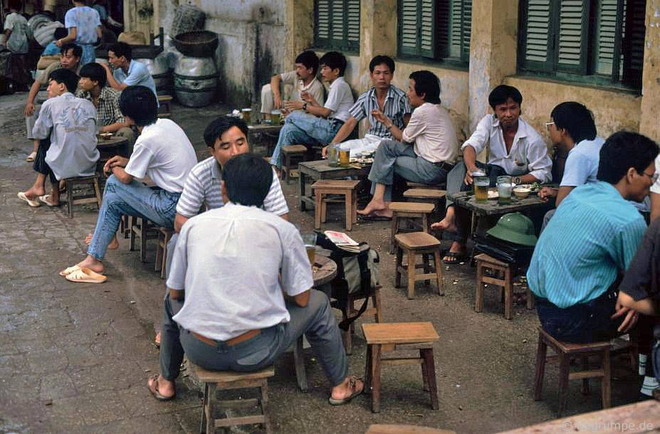 Old Town Hà Nội: Đường địa phương