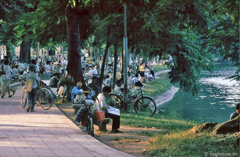 Hồ Hoàn Kiếm - Những người: Hà Nội