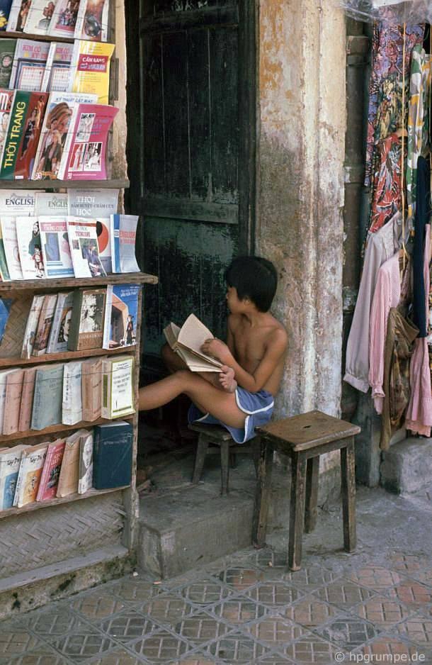 Hà Nội: Boy đọc