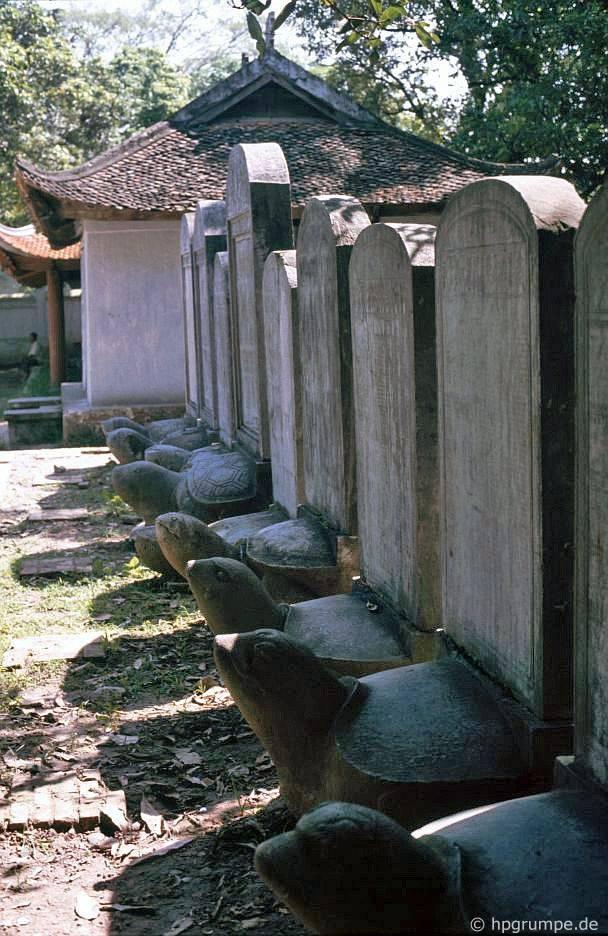 Hà Nội - Văn Miếu: totems của những người chiến thắng của các kỳ thi văn học