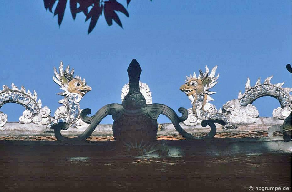 Hà Nội Đền Quan Thần - Chi tiết mái