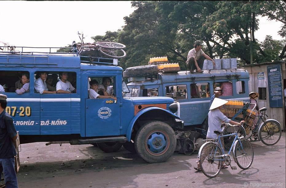 Đà Nẵng: Xe buýt tại bến xe buýt